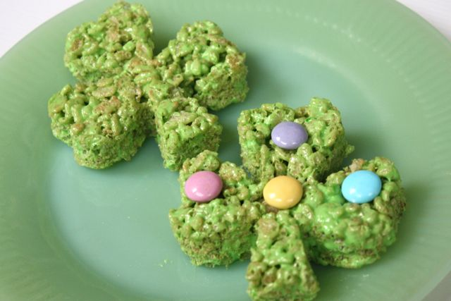 PIX Shamrock Surprise Rice Krispie Treats