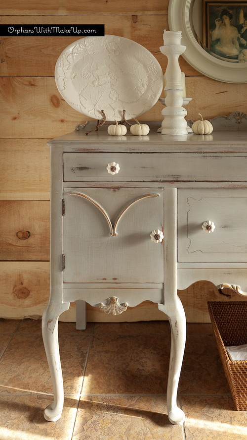 Queen Anne Shabby Chic Sideboard_004
