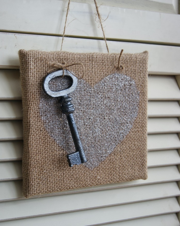 Burlap Heart Sign by The Life of a Craft Crazed Mom