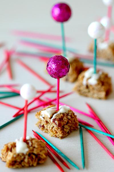 How to Color Toothpicks by Mom dot com