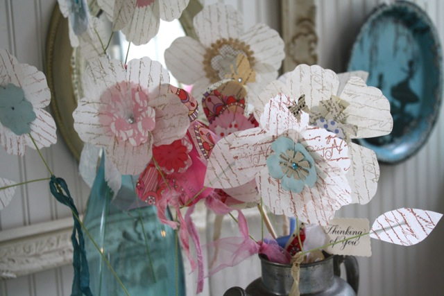 Gorgeous Shabby Chic home with loads of decorating ideas!