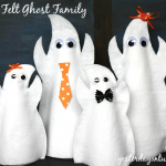 Make a darling Felt Ghost Family #halloweencrafts #feltcrafts