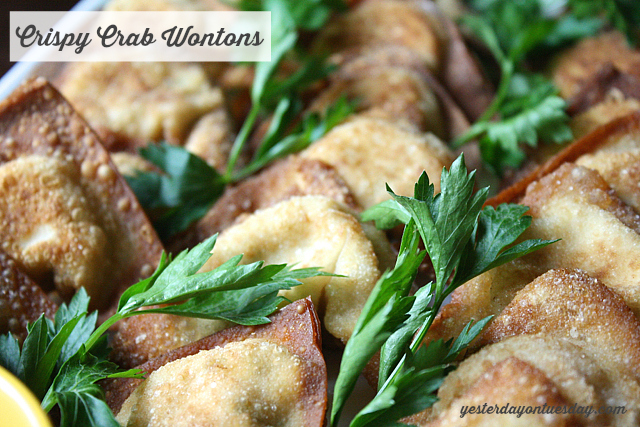 Delicious Crab Wonton Recipe, perfect for holiday entertaining #2014CocktailPartyHop #wontons