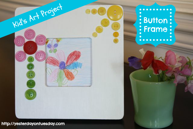 Darling Button Frame, great  kid's craft from Yesterday on Tuesday