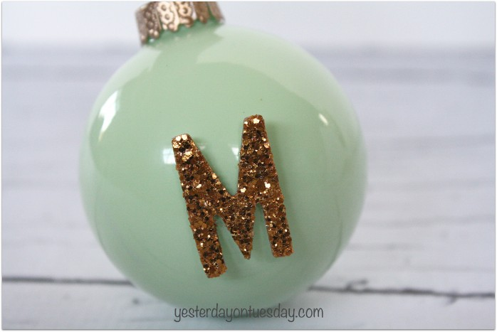 Get the look of vintage jadite with these DIY Jadite Ornaments from http://yesterdayontuesday.com