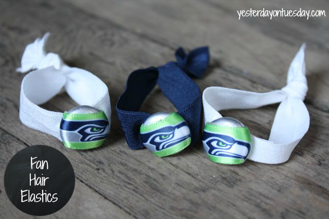 Seahawks Fan Hair Elastics from http://yesterdayontuesday.com #seahawks #seahawkscrafts