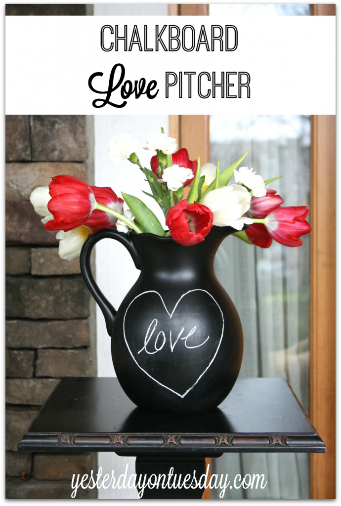 How to transform an unused pitcher into a chalkboard pitcher, great for holidays #chalkboard