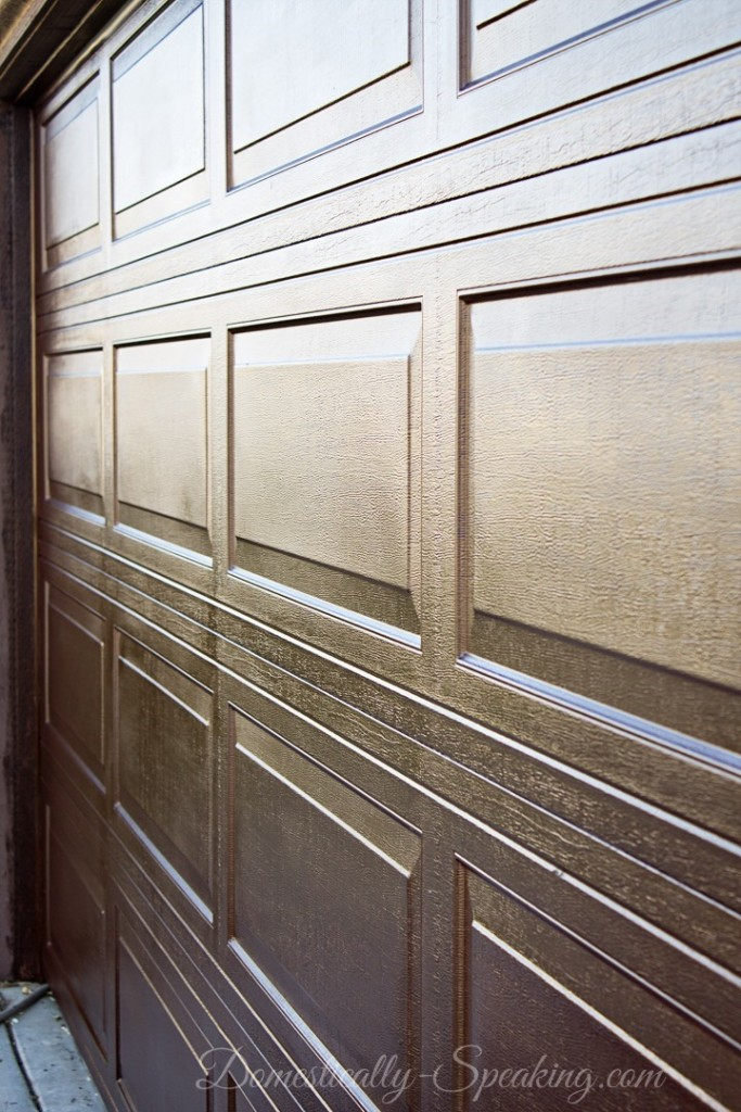 Faux Wood Garage Door Update from Domestically Speaking