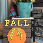 DIY Fall Pumpkin Sign:How to transform a foam disc into a textured pumpkin, great for fall decorating!