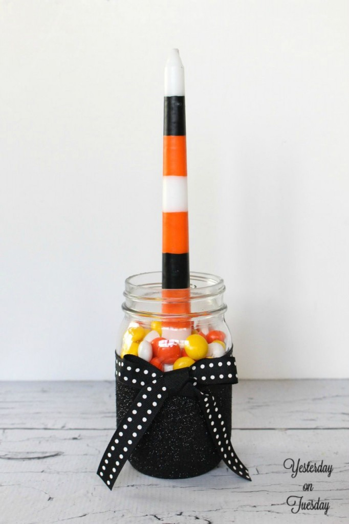 DIY Halloween Mason Jar Candle Holders, a great fall decor project