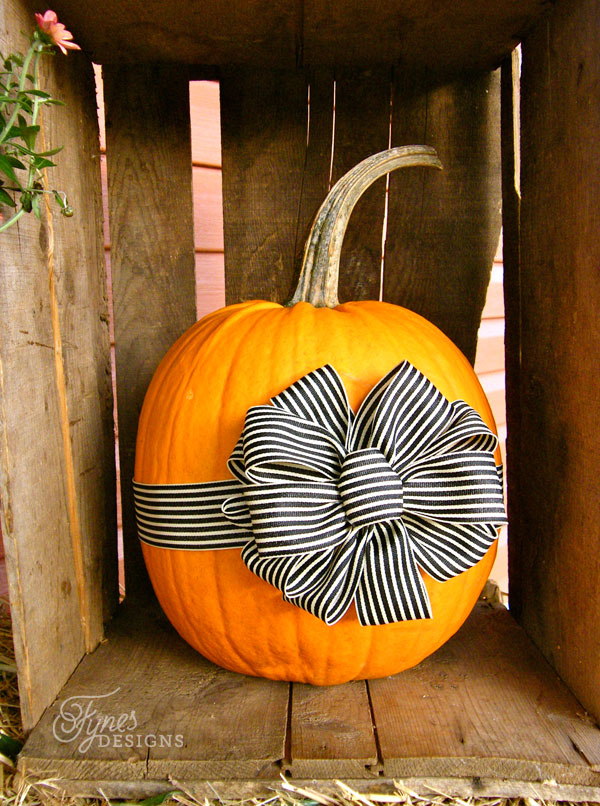 fall-pumpkins-bows