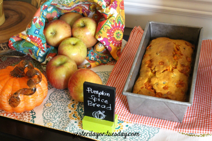 Delicious fall themed recipes and ideas, perfect for a Thanksgiving Baking Party