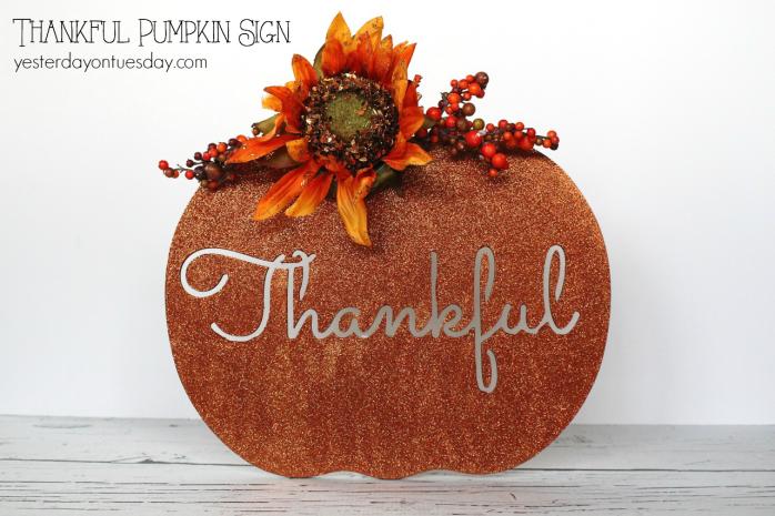 Thankful pumpkin sign, fun Thanksgiving decor idea