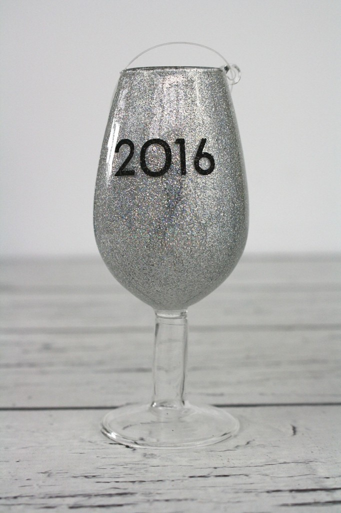 DIY Sparkly New Year's Eve Party Favors, a great idea for your New Year's celebrations