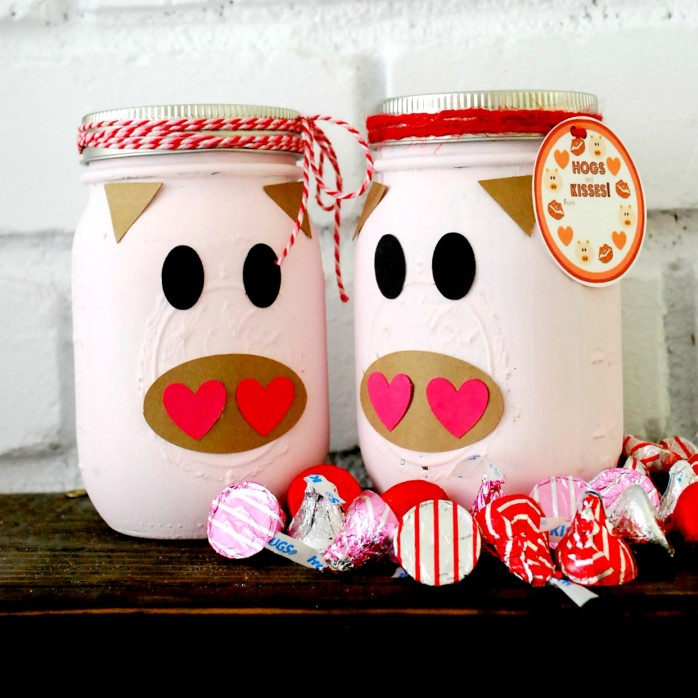 Hogs and Kisses Valentines Day Mason Jar by The Silly Pearl