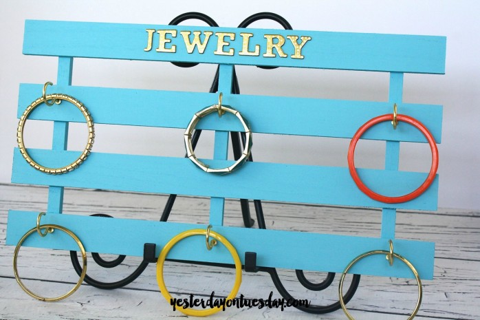 How to make a DIY Jewelry Holder