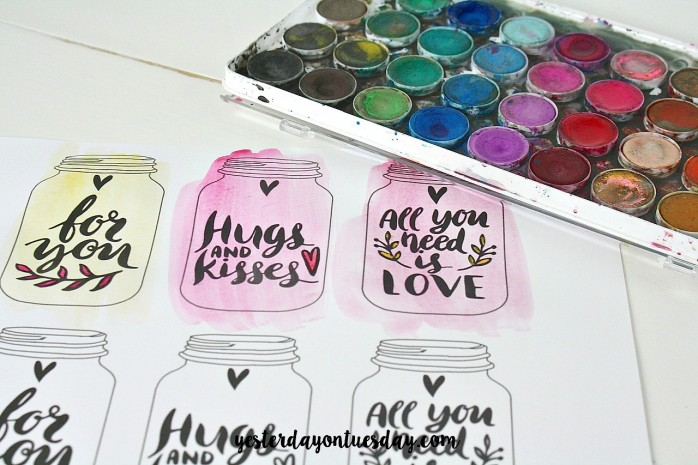 Printable Mason Jar Watercolor Tags: Just print and paint, great for gifts or for Valentine's Day presents
