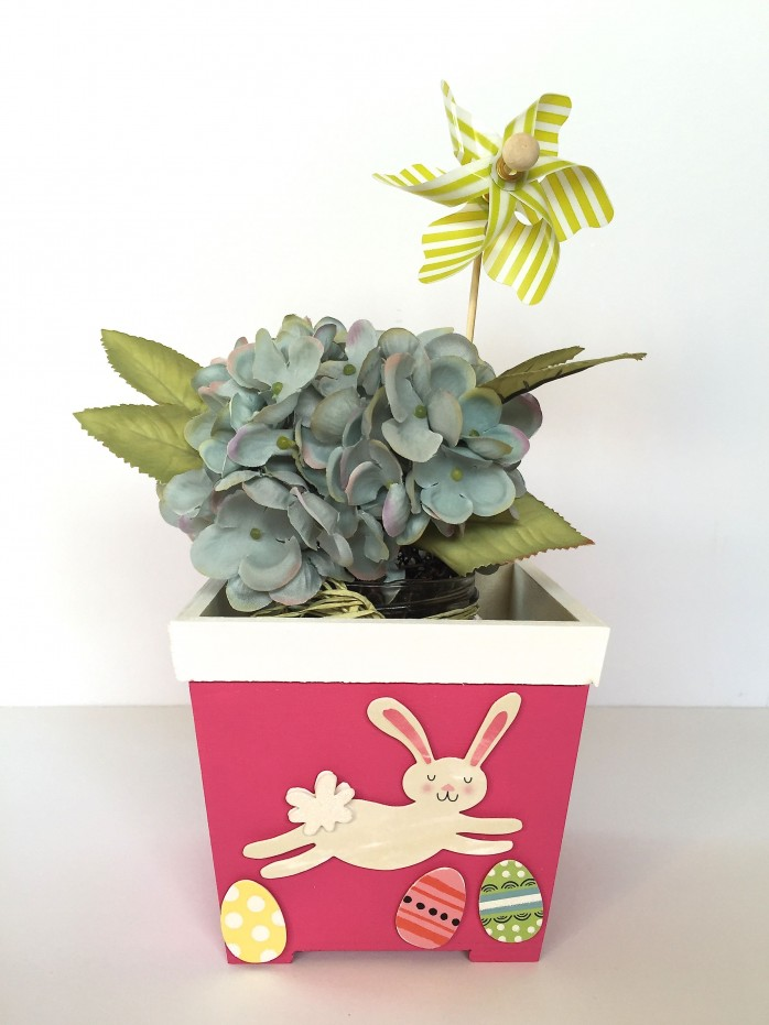How to transform a plain wood box into a cute Bunny Basket
