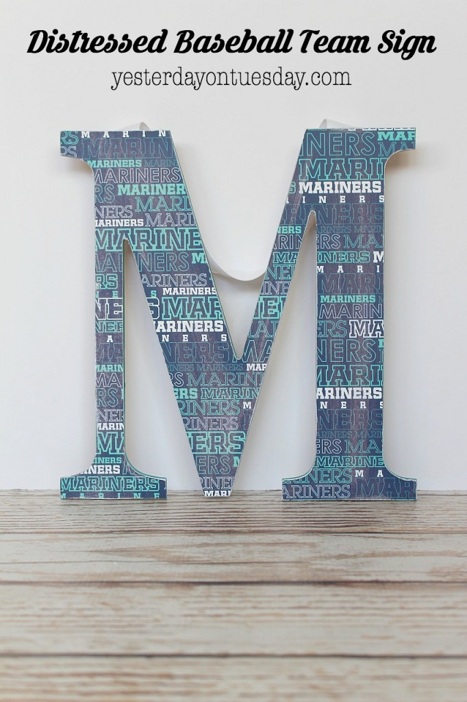 DIY Distressed Baseball Team sign featuring the Seattle Mariners, but a great idea for any baseball team!
