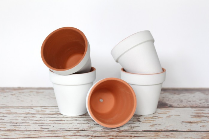 DIY Mini Marbled Flower Pots: How to give your plain flower pots a fun modern twist.