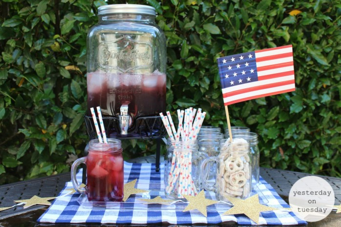 Cranberry Fizz drinks for 4th of July and Memorial Day