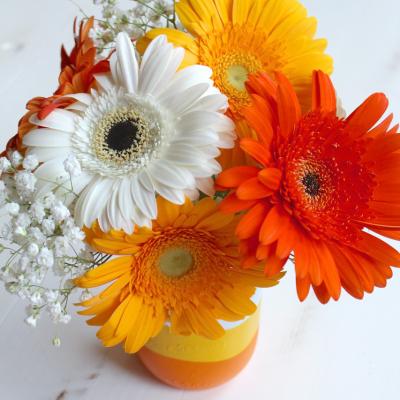 Candy Corn Mason Jar Bouquet