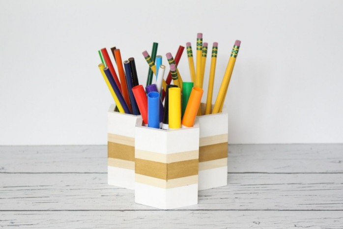 7 Back to School Organizing Solutions including a dry erase board, perpetual calendar, chalkboard organizer, Weekly Schedule, Hexagon Pencil Holder and more.