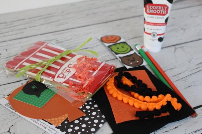DIY Mummy Popcorn Box, a super simple Halloween craft project