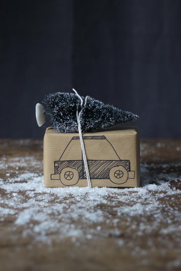 christmas-tree-car-present