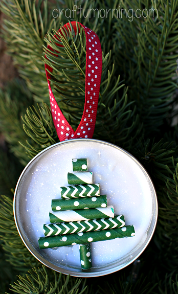 straw-christmas-tree-ornament