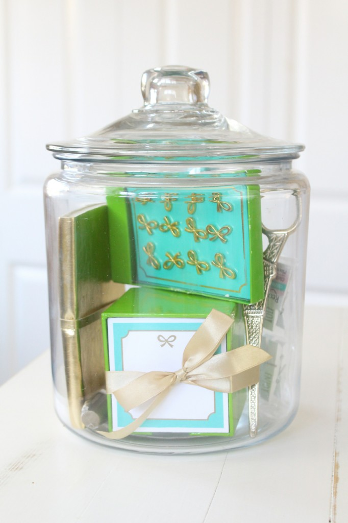 Get Organized Gift in a Jar: A Kate Spade inspired jar or fun office supplies including push pins, scissors, a memo pad and more!