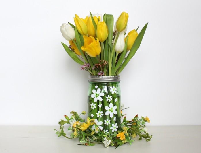 Flower Power Mason Jar Vase: How to whip up a cute floral themed mason jar vase.