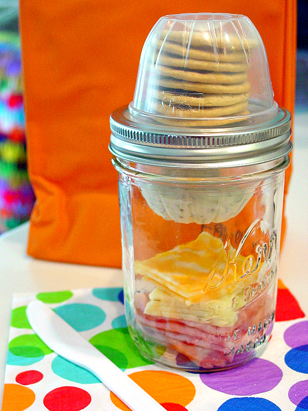 Mason-Jar-Lunchable-Ham-and-Cheese-Masonable-@Soup-Spice-Everything-Nice-2