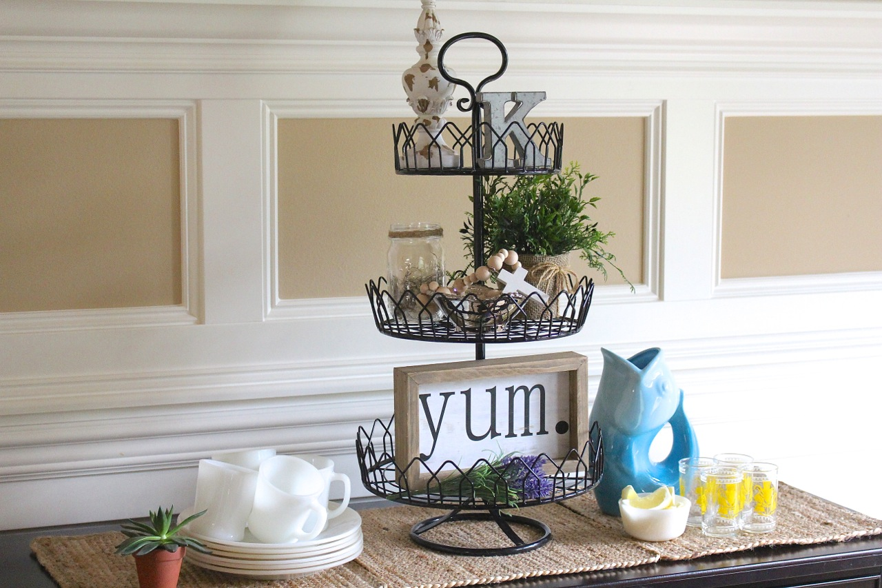 Modern Farmhouse Spring Tray
